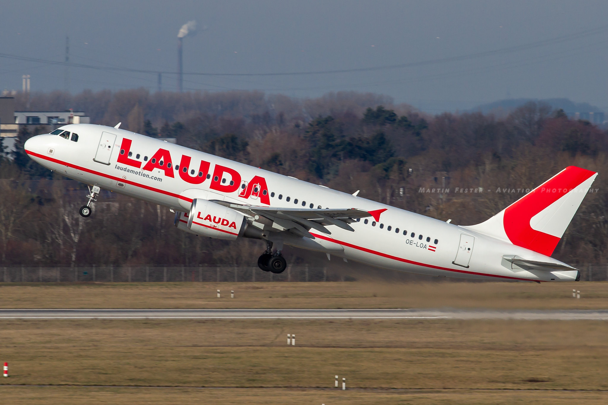 OE-LOA // LaudaMotion // A320-214