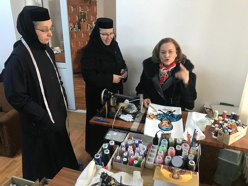 dna europarlamentar Maria Grapini in vizita la manastirea Varatic