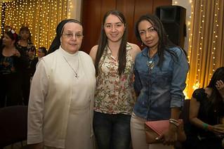Hna. Ruth Maria Vallejo I. Gerente con la Asistente Administrativa y la Administradora Documental