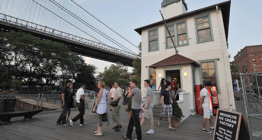 Brooklyn Ice Cream Factory (foto met dank aan Julienne Schaer)   Mooistestedentrips.nl