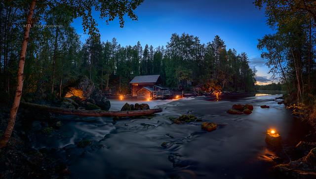 Dusk at river Kitkajoki
