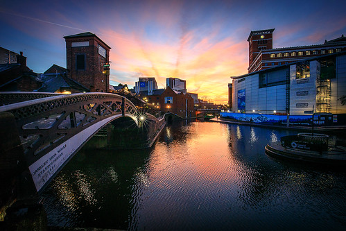 brindleyplace sunrise bridge birmingham reflections canal water