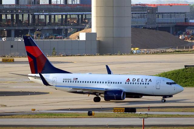 N302DQ Boeing 737-732 [29648] (Delta Air Lines) Atlanta-Hartsfield~N 11/04/2010