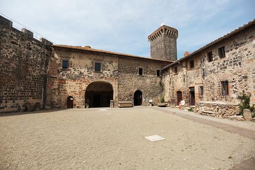 Vulci: il castello della badia