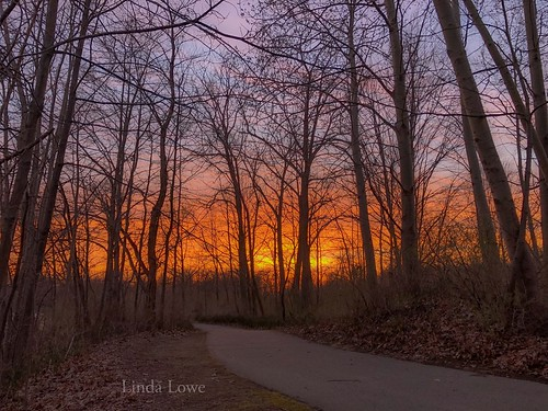 Sunset at Veterans Park on 4/12/19 | by llowe1111