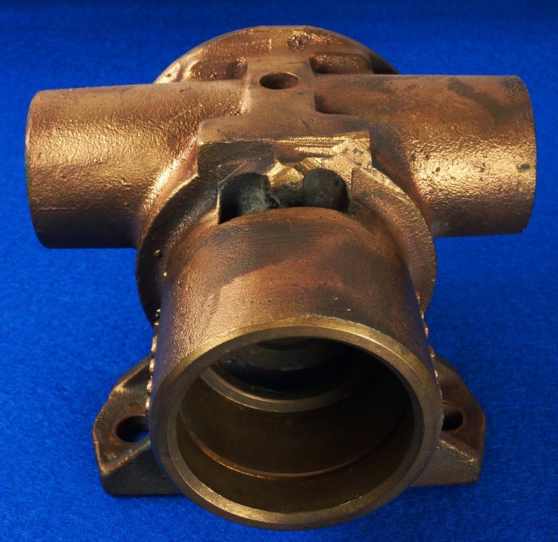 RD26699 Jabsco 2 inch Bronze Pedestal Pump Housing & Plate Only #18370-0000 DSC08792