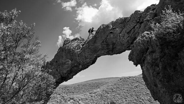 22 - Ardeche - Ali sur l'arche du ranc de l'arc