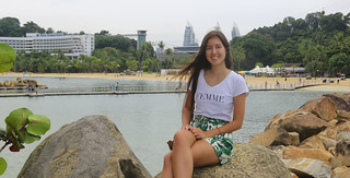 Samantha relaxing at Siloso beach in Singapore | by B℮n