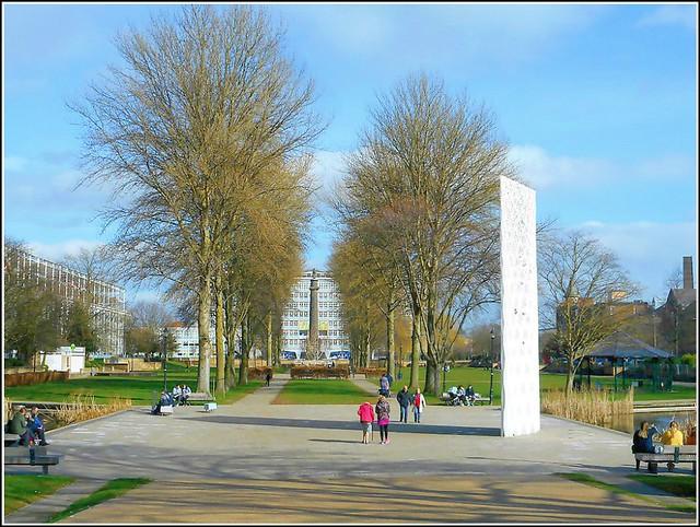 Hulls Queens Gardens ..