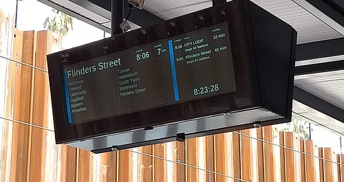 Delayed Frankston line train diverted out of the Loop
