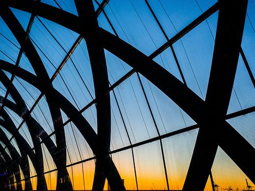 architecture architektur bahnhof dach dämmerung dusk elbbrücken hafencity hamburg himmel lines linien mzuiko1240mm metro olympusem1 roof sky sonnenuntergang station sunset ubahn
