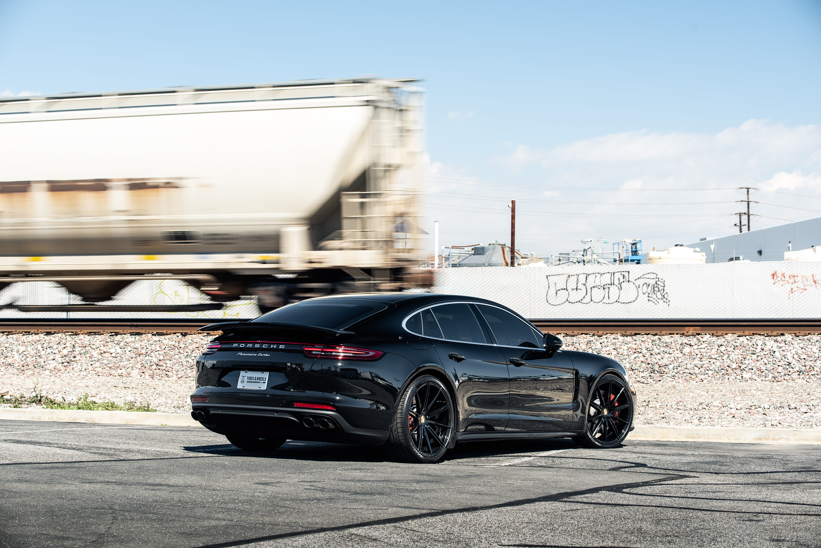 2019_Porsche_Panamera_Turbo_BD9_BlackWhite (13)
