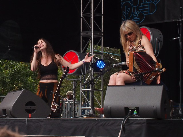 Susan O'Neill and Sharon Shannon