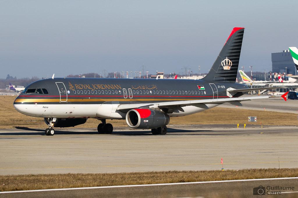 JY-AYR A320 Royal Jordanian