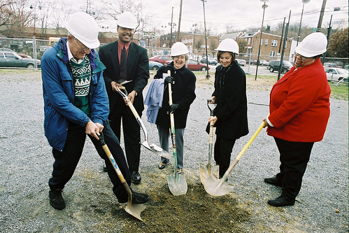 se center groundbreaking with shovel | by Bread for the City
