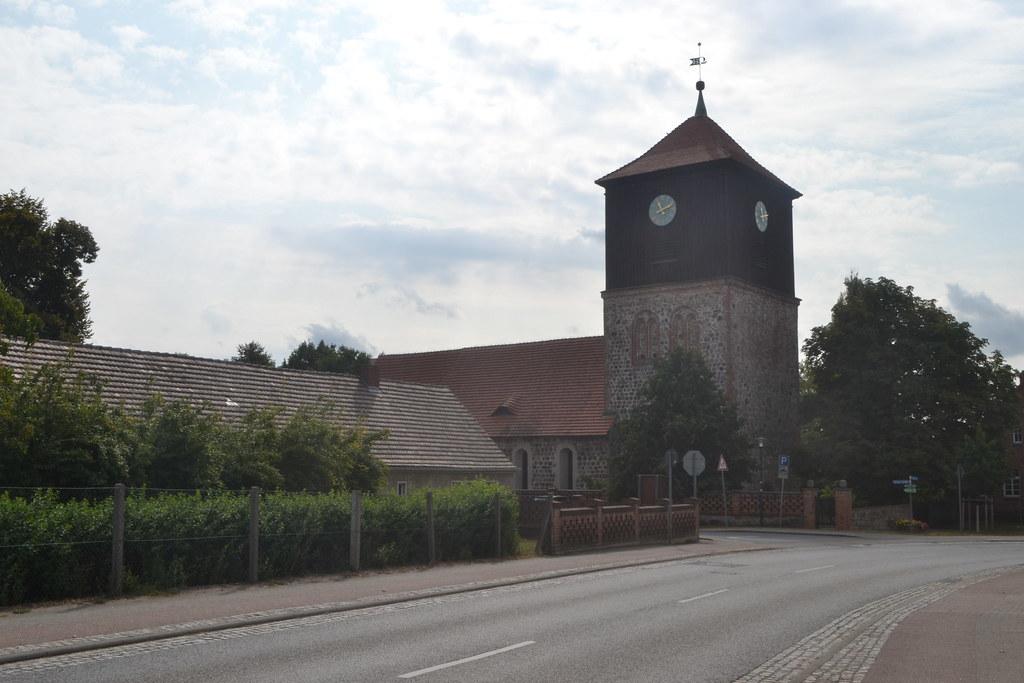 Kirche in Lichterfelde (134FJAKA_1554)