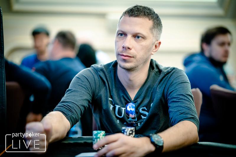Покер смотреть онлайн с переводом казино рояль фильм 2006 смотреть онлайн 720 бесплатно