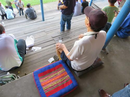 チェンマイ競馬場の座布団