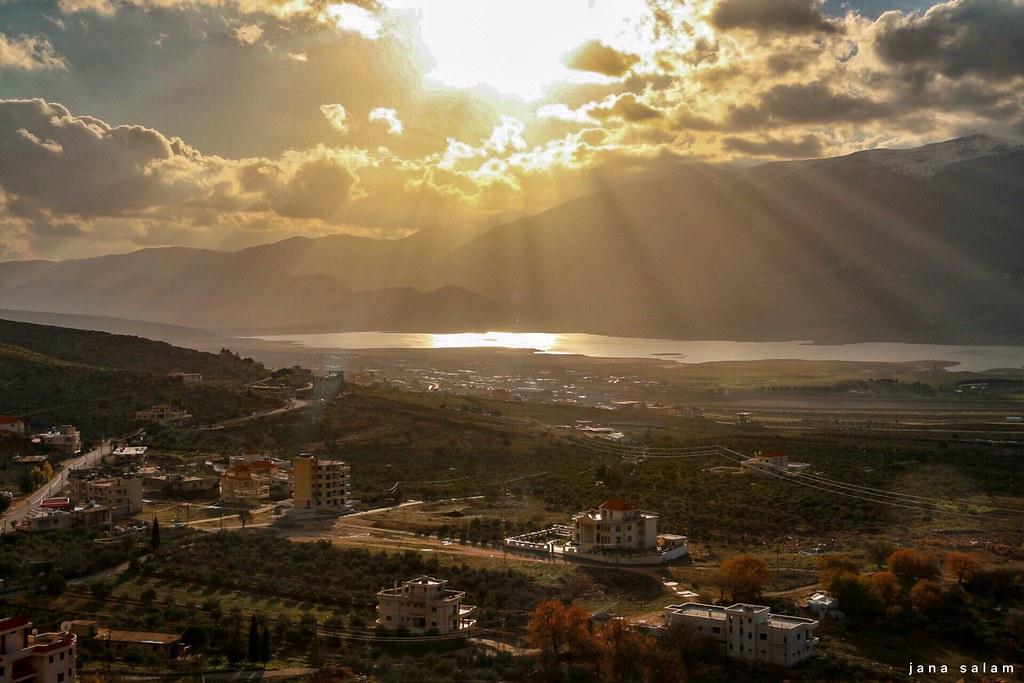 Qarroun- West Bekaa #lebanon #pic #landscape_photography #landscape_captures #landscape #capture #beauty #beautiful #flickr #explore #nature_photography #naturelovers #lake #rays #light #photography #photo_art #photooftheday