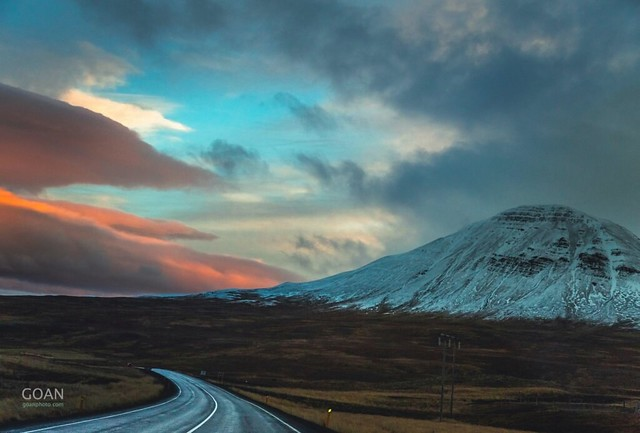 Iceland roads are so wonderful !