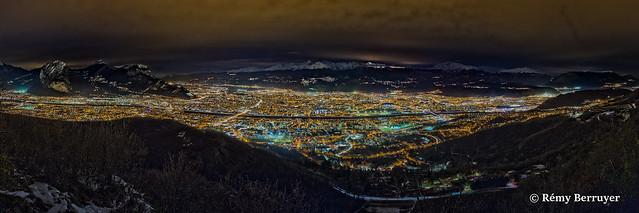 Paysage panoramique de l'aglomération Grenobloise