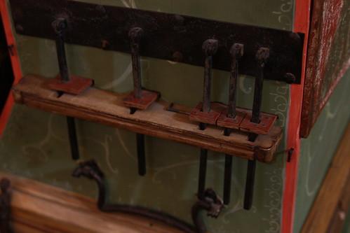 Detalle parte trasera del órgano portátil | by fernand0