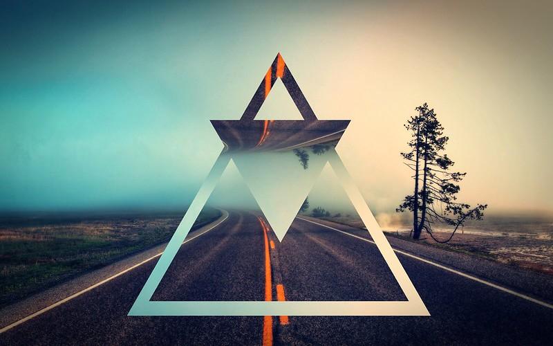 Обои треугольник, форма, фон, светлый картинки на рабочий стол, фото скачать бесплатно