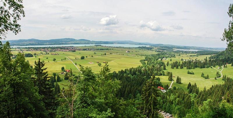 新天鵝堡北眺福爾根湖(Illasbergsee)