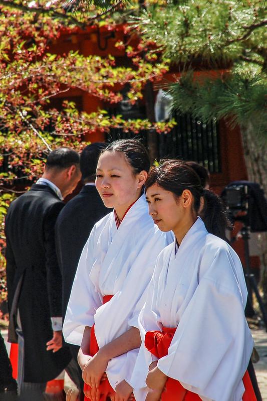 巫女--日本神社中輔助神職的女性工作人員