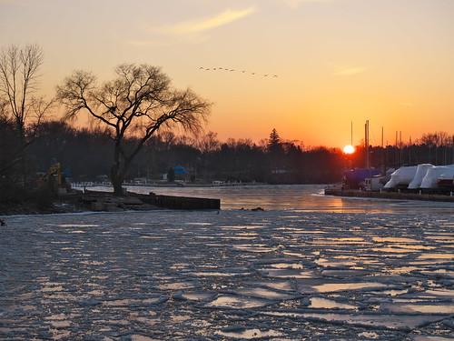 bronteharbour brontecreek oakville ontario canada cans2s sunset ice