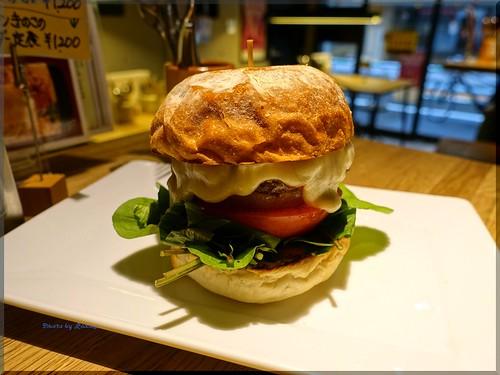 2018-12-23_ハンバーガーログブック_NHKの番組で提供されたせかほしバーガーを!【北参道】EAT_05 | by Taka Logbook