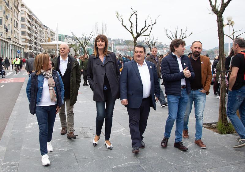 Idoia Mendia, Odón Elorza y Ernesto Gasco en Donostia