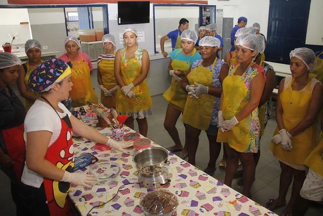Cozinhas Comunitárias oferecem alimentação, educação e cidadania