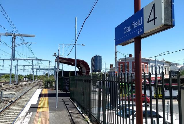 Caulfield platform 4 extension