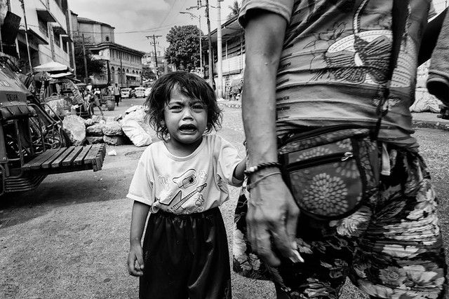 Little girl crying - Quiapo Church, Manila