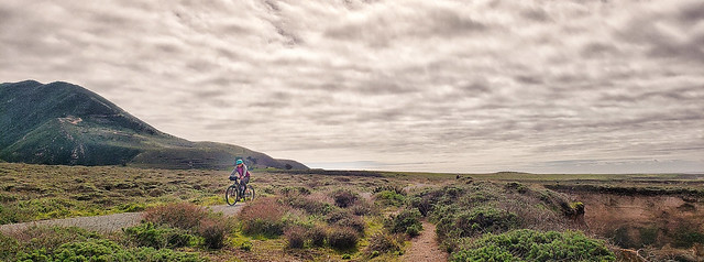 Cyclist on the bluff trail at Montana de Oro