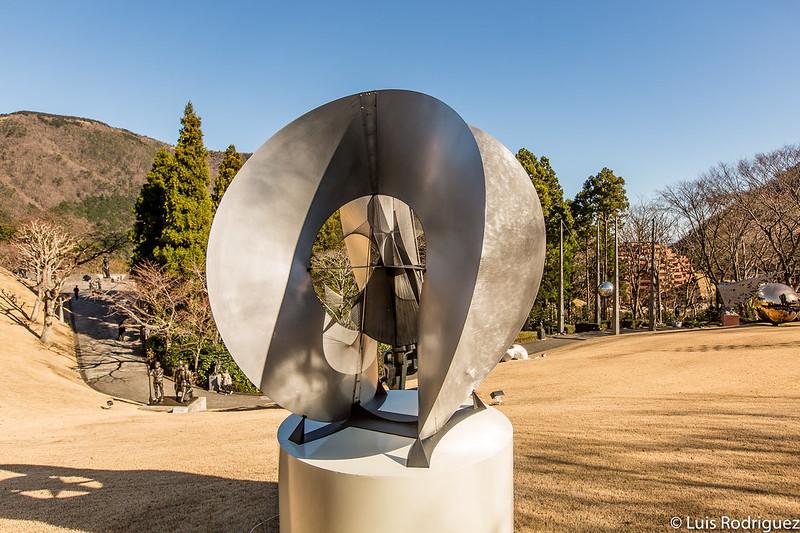 Esculturas exteriores en el Museo al aire libre de Hakone