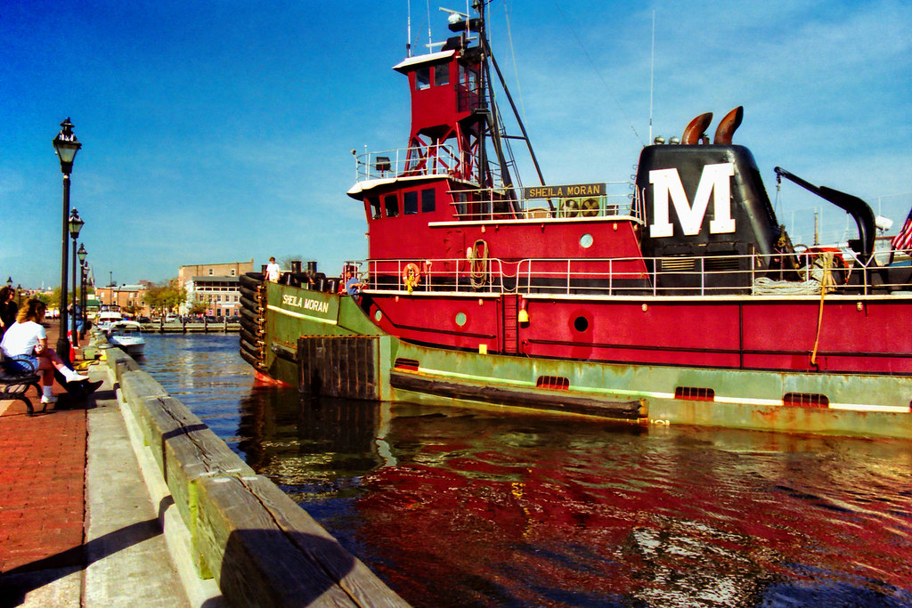 Sheila Moran | Tug, Sheila Moron, docking at South Broadway