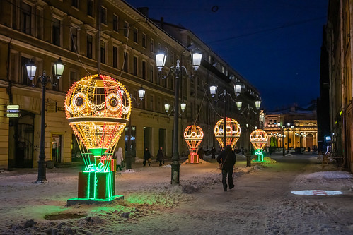 square sunrise street city outdoor old building town snow yellow morning blue colorful design orange tower house exterior style winter wall architecture outdoors санктпетербург leningradoblast ru saintpetersburg russia art sky