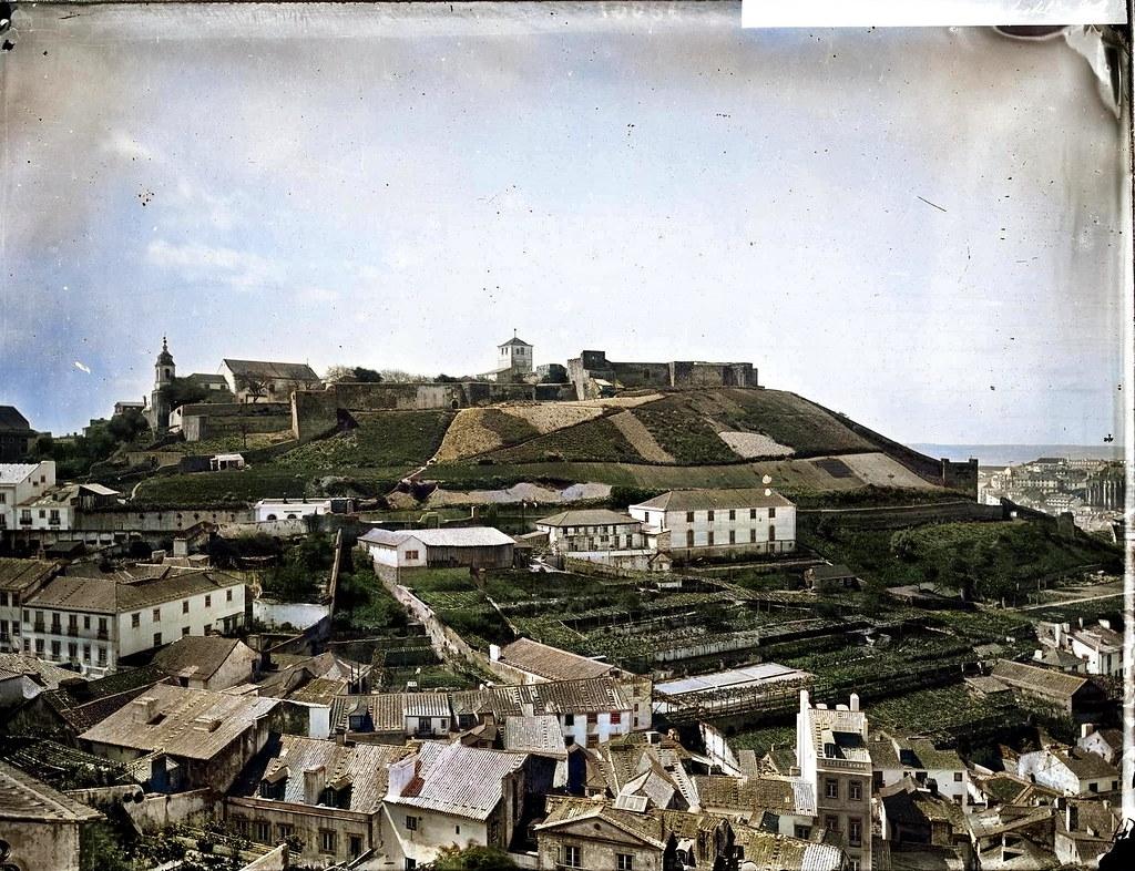 Panoramica da Graça sôbre o Castello, Lisboa, [18...] Photographia de auctor não identificado, in archivo photographico da C.M.L.