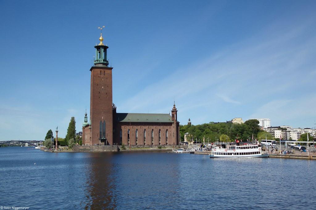 Das knapp 100 Jahre alte Rathaus von Stockholm (28.06.17)