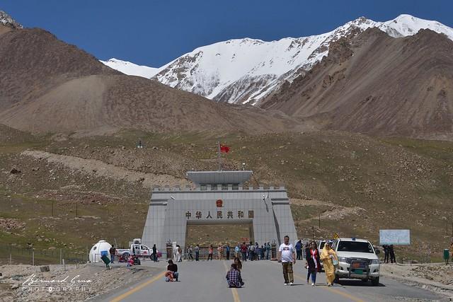 Col de Kunjerab, 4 693 mètres. sur la Karakoram Highway entre le Pakistan et la Chine © Bernard Grua