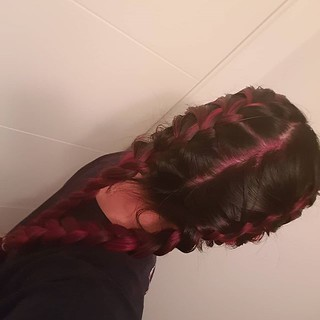 Unlike the previous braid photo, I did these ones myself. 😂 😂 😂 Ignore the very pink scalp, I do. | by chelleshocks