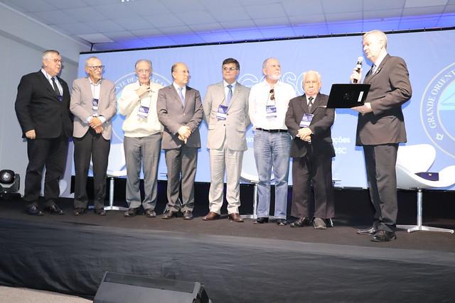 ACAERT recebe honraria da maçonaria catarinense