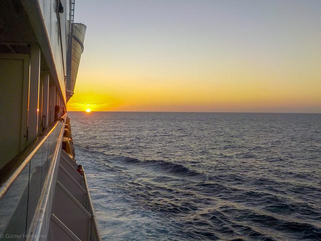 Seetag -- Letzter Sonnenuntergang auf hoher See!