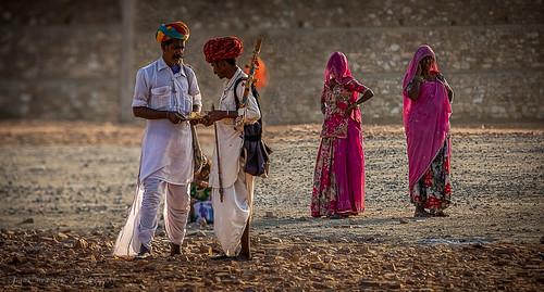 Pushkar Fair transactions, Rajasthan,  India | by Catherine Gidzinska and Simon Gidzinski