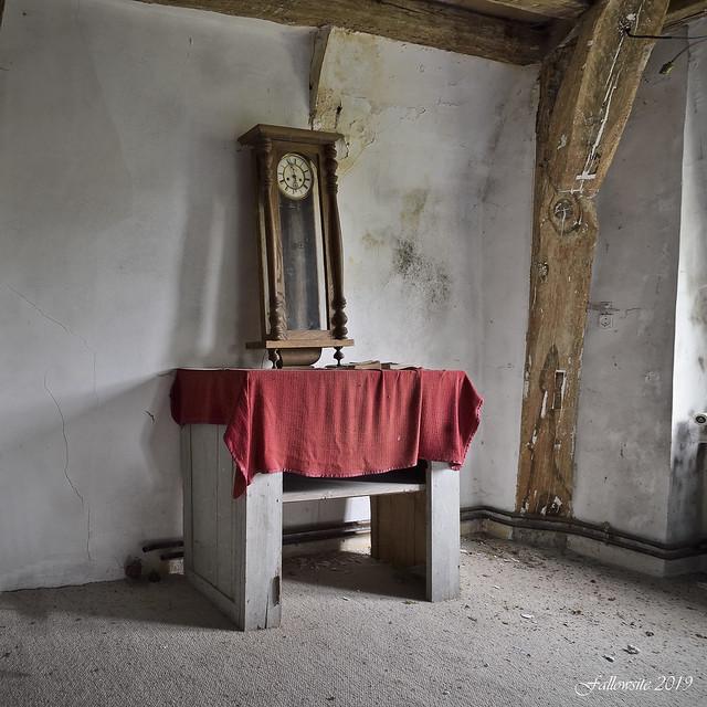 L'autel du temps qui trépasse.