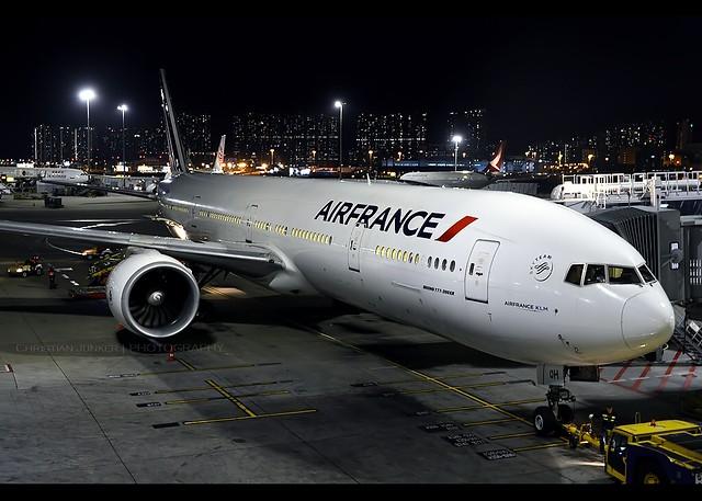 B777-328/ER | Air France | F-GSQH | HKG