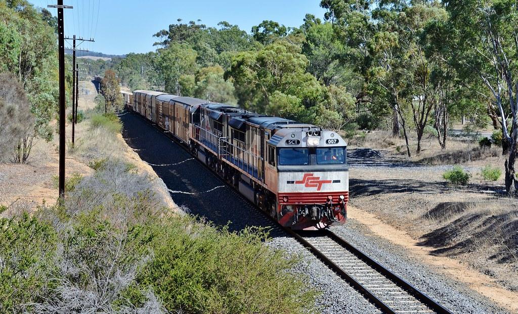 SCT007+SCT013 lead Perth to Melbourne SCT service 6PM9 through Great Western, Victoria by Adam Serena