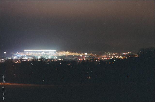 Sinsheim mit Stadion bei Nacht